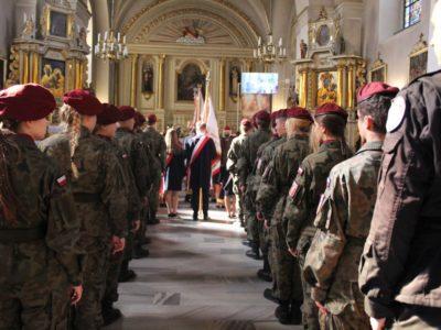 Obchody 80 rocznicy wybuchu II wojny światowej połączone z Aktem Nadania Bibliotece Publicznej Gminy Tymbark imienia kpt. Tadeusza Paolone