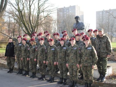 Obozy szkoleniowe klas wojskowych w 16 batalionie powietrznodesantowym w Krakowie